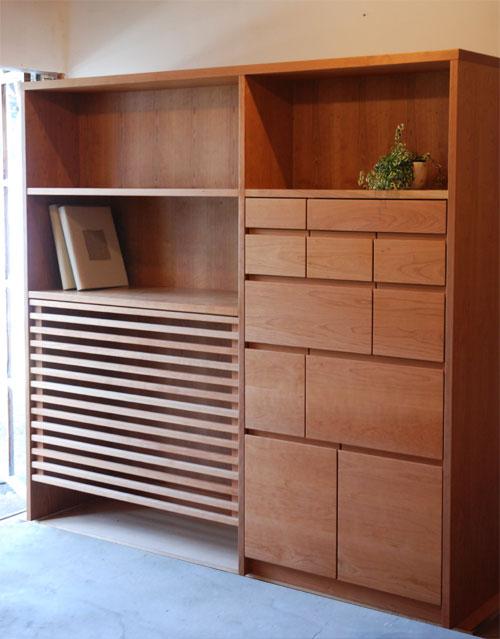 蓄熱暖房隠し兼、引出しと本棚の家具 613