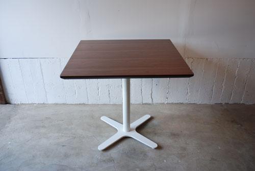カフェテーブル ウォールナットと白い脚 c3019イメージ-2