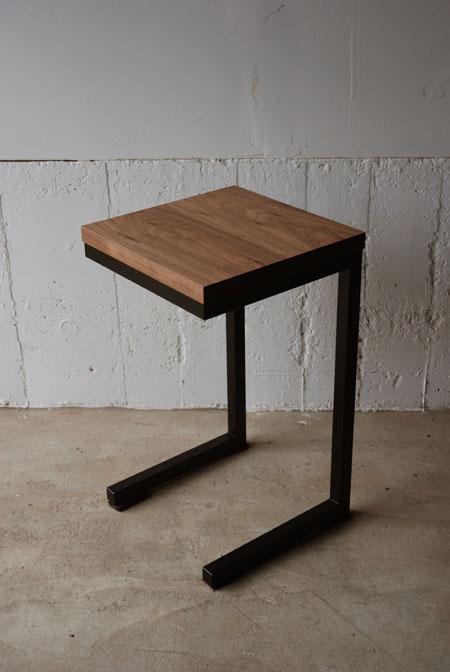 サイドテーブル ウォールナット無垢とアイアン脚 3018