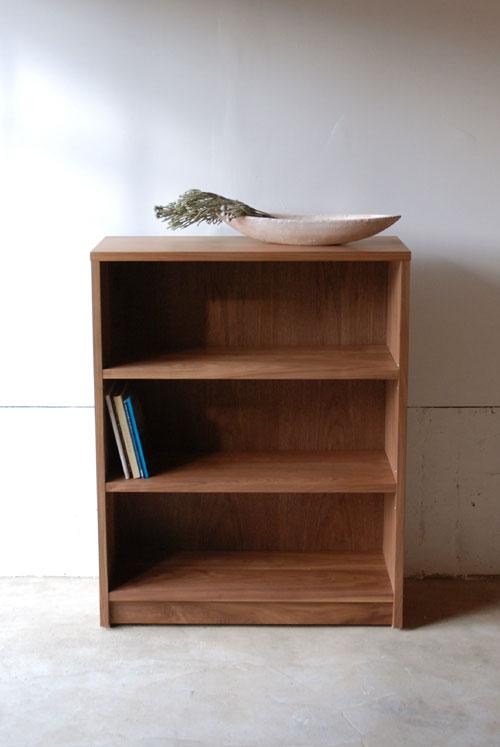 本棚 ウォールナット無垢材 幅80cmオーダーサイズ c5032イメージ-3