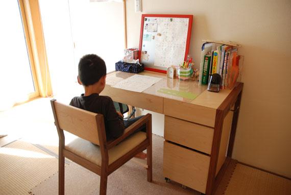 オーダーメイド学習机とマグネットボード c3017