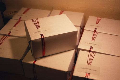 ビアゴブレットペアと木のコースターセット桐箱つき 結婚式引出物に 8022イメージ-7