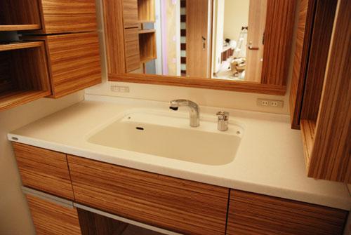 洗面カウンターと収納キャビネットと鏡のオーダー製作 c5041イメージ-1