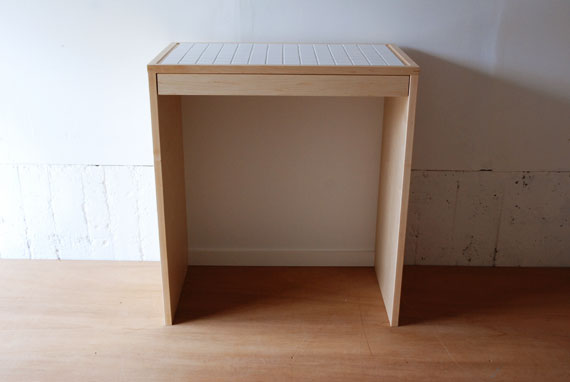 タイル天板のゴミ箱収納とスライド配膳台 c50441