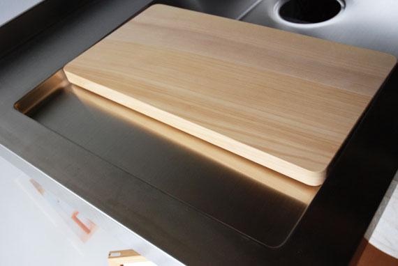キッチンシンクに合わせたサイズのいちょうのまな板 8019