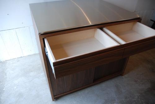 アイランドカウンター・食器棚 ステンレス天板とウォールナット 5045イメージ-5
