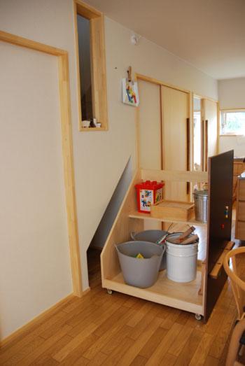 階段下収納にもなるマグネットボード c5025イメージ-3