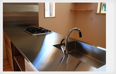 オーダーキッチン リビング収納と一体になった木の家具のような 5025イメージ-5