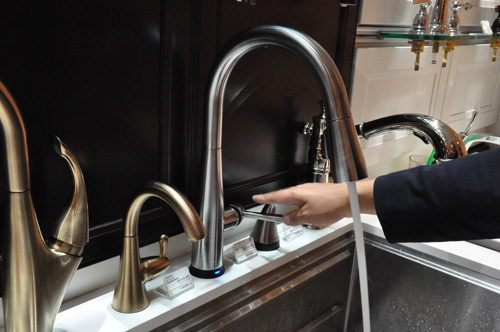 DELTA/デルタ キッチン水栓 エッサ・タッチ