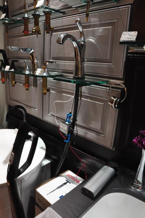 DELTA/デルタ タッチ水栓の電磁弁全体の様子
