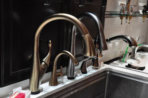 DELTA/デルタ キッチン水栓 アディソンタッチ ゴールド