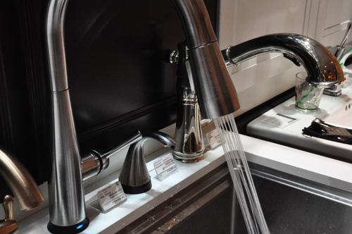 DELTA/デルタ キッチン水栓 水の出方 シャワー
