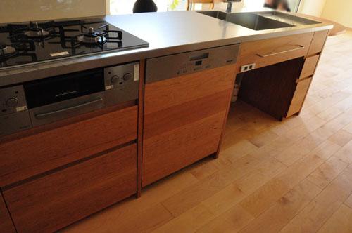 ミーレ25周年モデル食洗機のついたオーダーキッチンとカウンターテーブルを一緒に製作 no.5055イメージ-4
