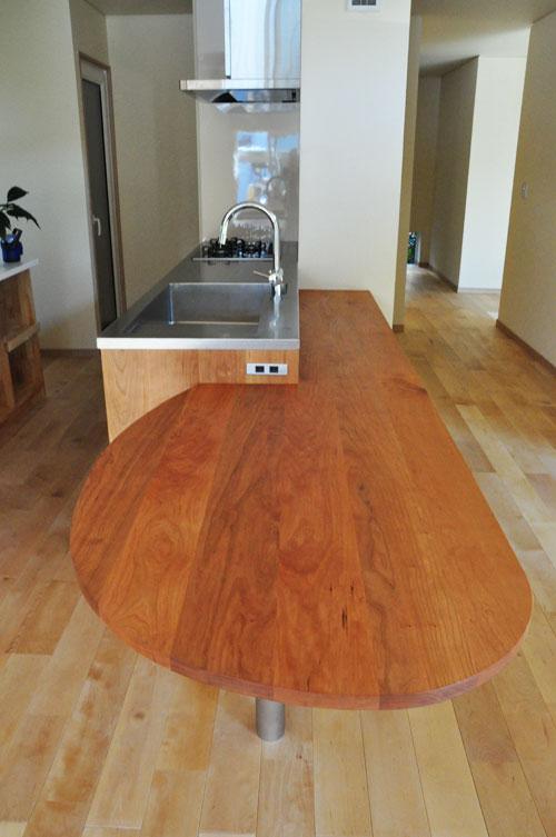 ミーレ25周年モデル食洗機のついたオーダーキッチンとカウンターテーブルを一緒に製作 no.5055イメージ-3