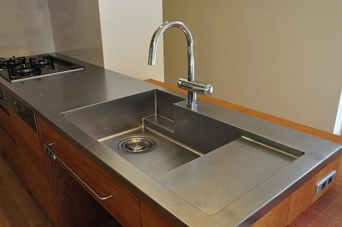 ミーレ25周年モデル食洗機のついたオーダーキッチンとカウンターテーブルを一緒に製作 no.5055イメージ-10