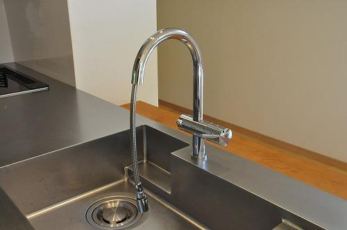 ミーレ25周年モデル食洗機のついたオーダーキッチンとカウンターテーブルを一緒に製作 no.5055イメージ-16