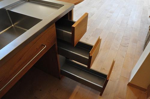 ミーレ25周年モデル食洗機のついたオーダーキッチンとカウンターテーブルを一緒に製作 no.5055イメージ-15