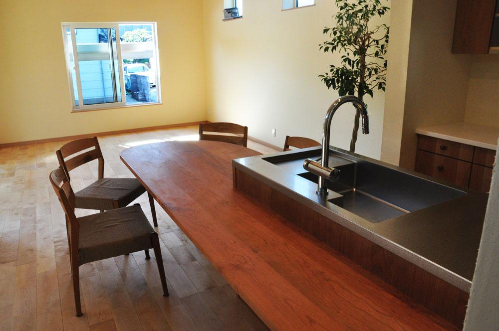 ミーレ25周年モデル食洗機のついたオーダーキッチンとカウンターテーブルを一緒に製作 no.5055イメージ-1