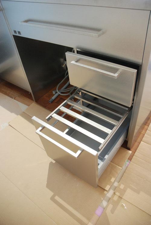 段付きシンクの対面キッチン バイブレーションサンダー仕上のステンレス 654イメージ-8