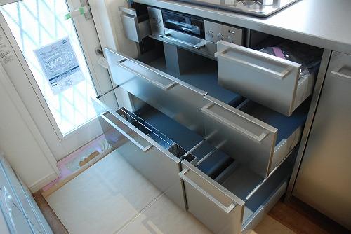 段付きシンクの対面キッチン バイブレーションサンダー仕上のステンレス 654イメージ-12