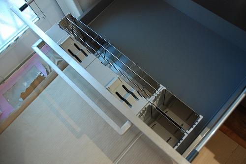 段付きシンクの対面キッチン バイブレーションサンダー仕上のステンレス 654イメージ-13