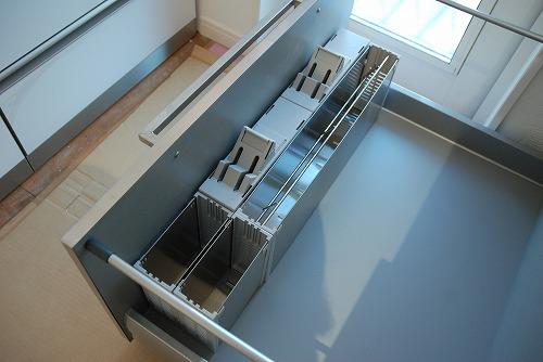 段付きシンクの対面キッチン バイブレーションサンダー仕上のステンレス 654イメージ-14