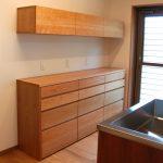 食器棚としてのキッチン背面収納 横長吊戸棚も製作 5059