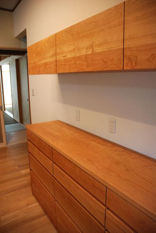 食器棚としてのキッチン背面収納 横長吊戸棚も製作 5059イメージ-1