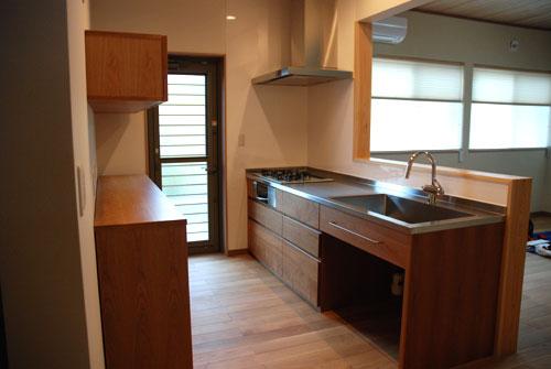 食器棚としてのキッチン背面収納 横長吊戸棚も製作 5059イメージ-12