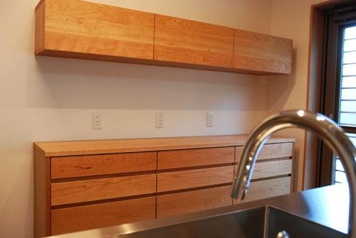食器棚としてのキッチン背面収納 横長吊戸棚も製作 5059イメージ-10