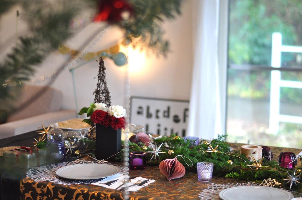ゴールドのテーブルコーディネートのクリスマス