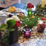クッキー缶づくりとミーレのオーブン ゴールドxブラックのテーブルコーディネートのクリスマスで