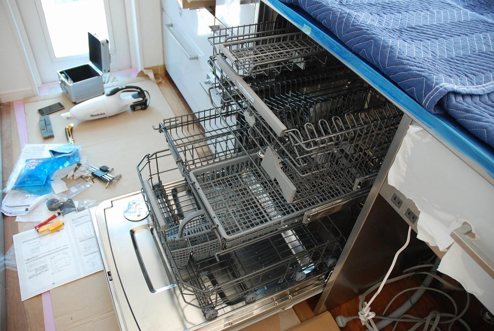 アスコの食洗機をステンレスのオーダーキッチンに取付ました