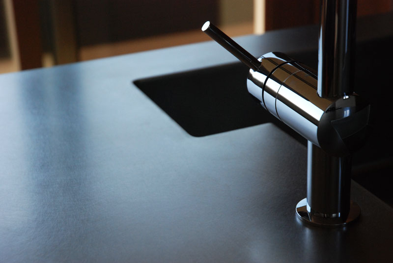 360度ステンレスの塊 最初から傷をつけたような手作りのキッチン 5028