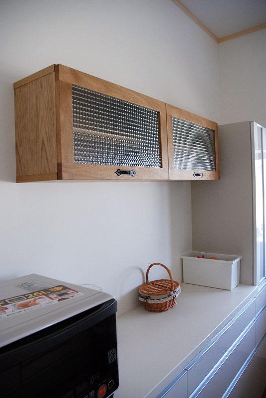 チェッカーガラスの吊り戸棚 596イメージ-1