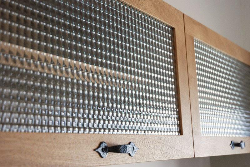 チェッカーガラスの吊り戸棚 596イメージ-2