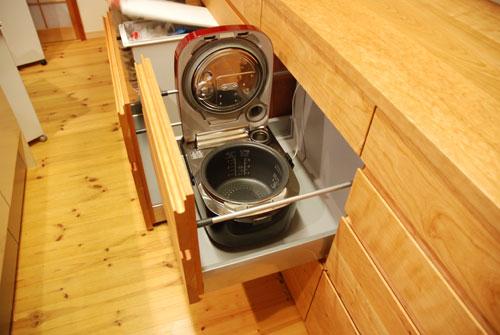 食器棚としてのキッチン背面収納 横長吊戸棚も製作 5059イメージ-4