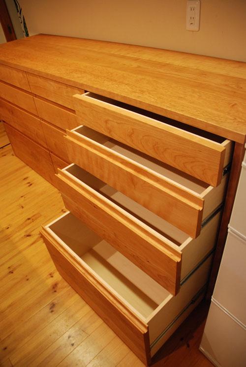 キッチンボードと吊戸棚をチェリー材で 炊飯器収納とゴミ箱収納 682イメージ-7