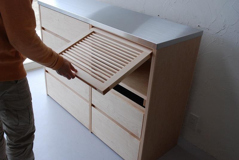 炊飯器も隠せるメープルのマンションキッチン食器棚 761イメージ-8