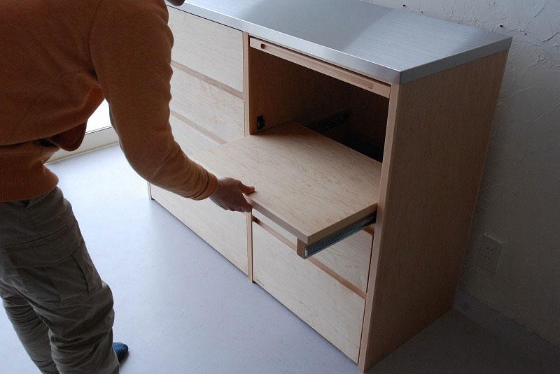 炊飯器も隠せるメープルのマンションキッチン食器棚 761イメージ-11