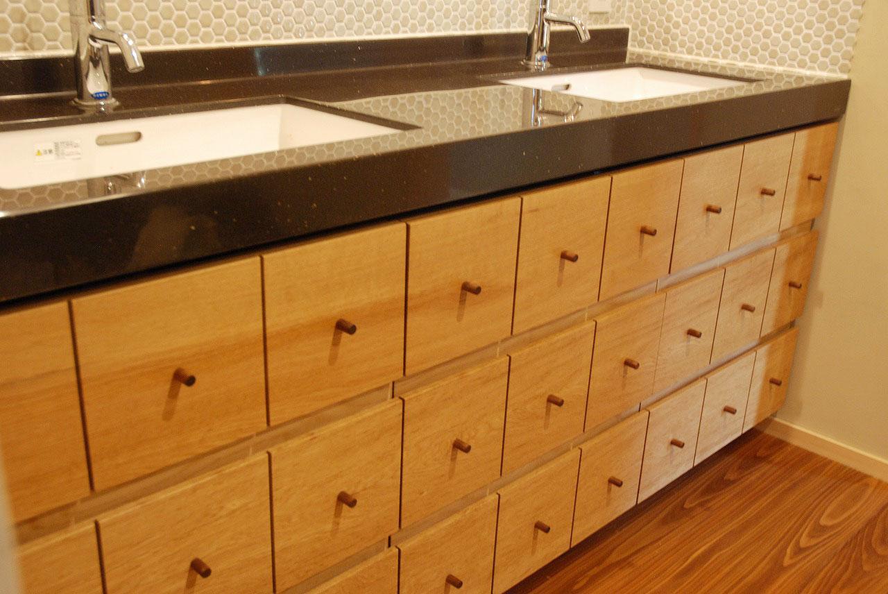 洗面収納/カウンター下収納 ナラ材・ウォールナット材 720イメージ-2