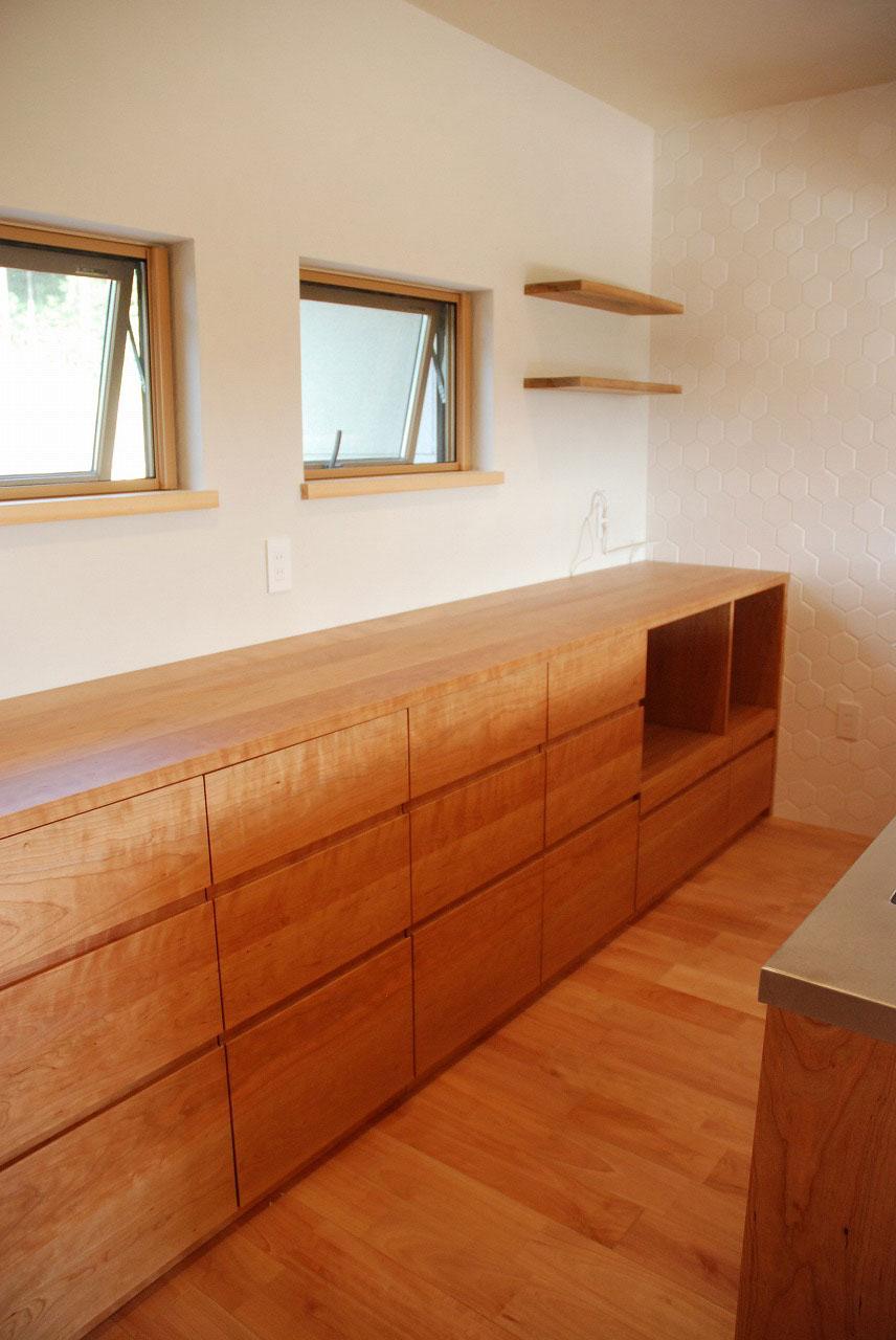 オーダーキッチン チェリーの無垢天板キッチン収納カウンター 740イメージ-8