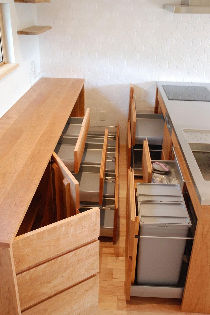 オーダーキッチン チェリーの無垢天板キッチン収納カウンター 740イメージ-10