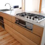オーダーキッチン 無垢カウンターパネル&木とステンレス 636