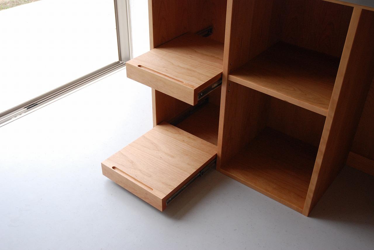 レンジ台に米びつと一升瓶置き場をオーダー ガラス戸棚と一緒に 744イメージ-1