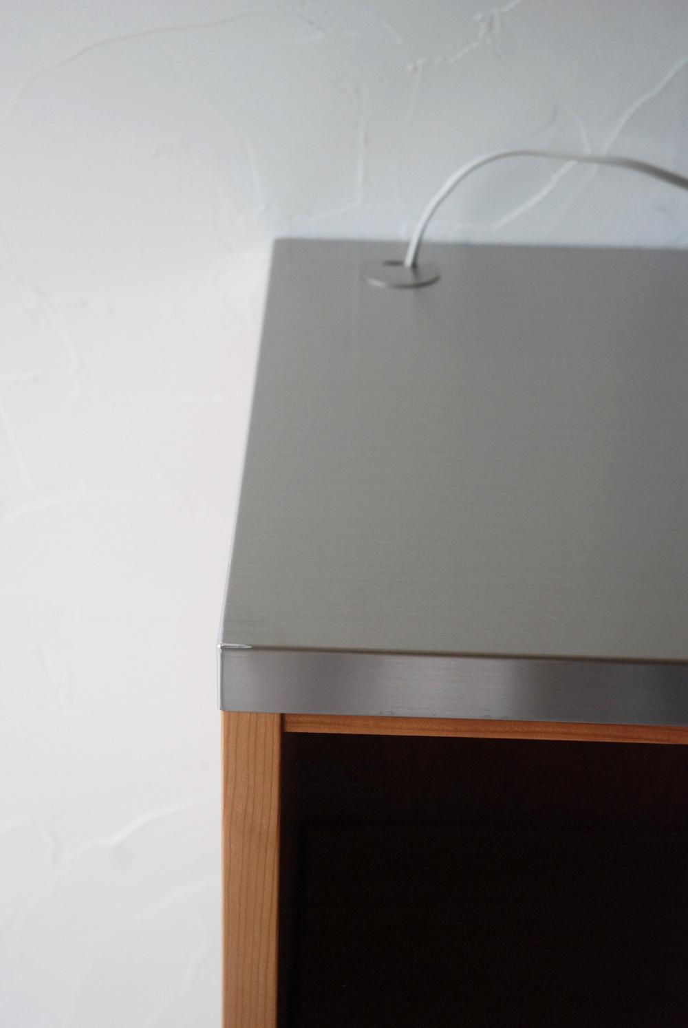 レンジ台に米びつと一升瓶置き場をオーダー ガラス戸棚と一緒に 744イメージ-3