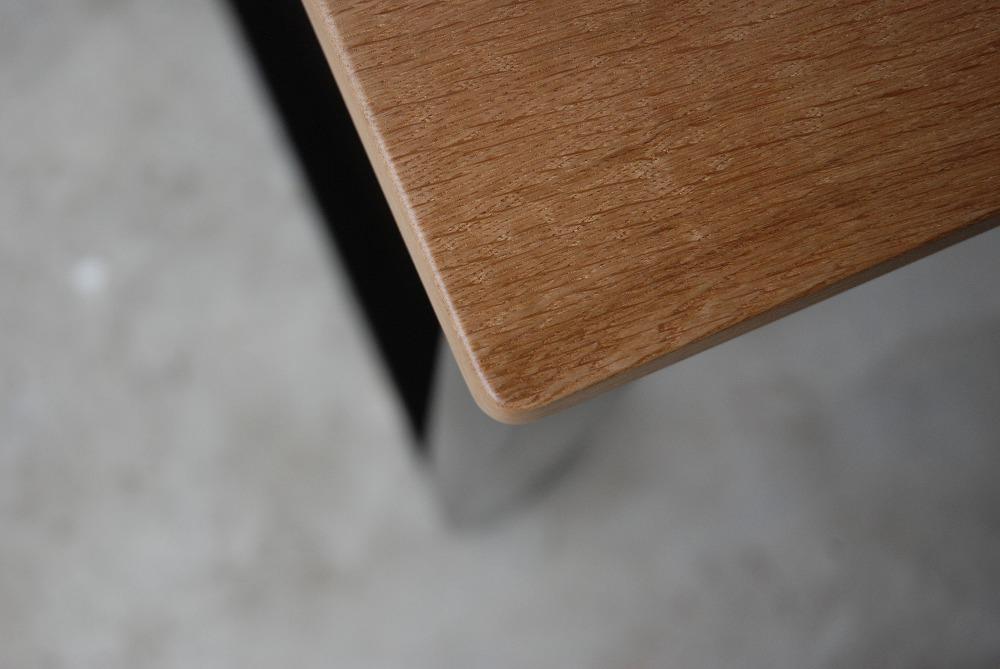 天板の下に棚のあるウォールナットのテーブル 3041イメージ-4