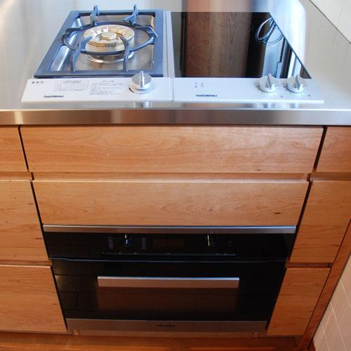 ガゲナウのIHとガスコンロの両方とミーレの電子レンジオーブンのあるキッチンリフォーム no.5062イメージ-2