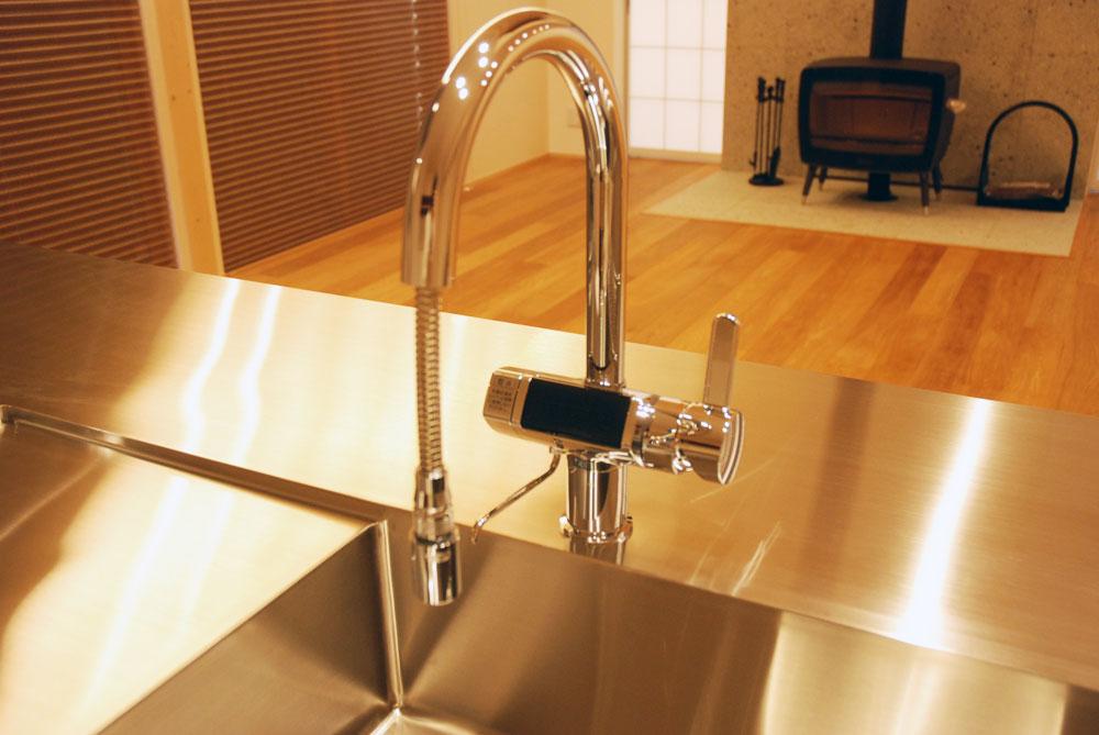 グローエ・グラシア電解水素整水器がついて水切りエリアのあるオーダーシンクのキッチン no.5065イメージ-5