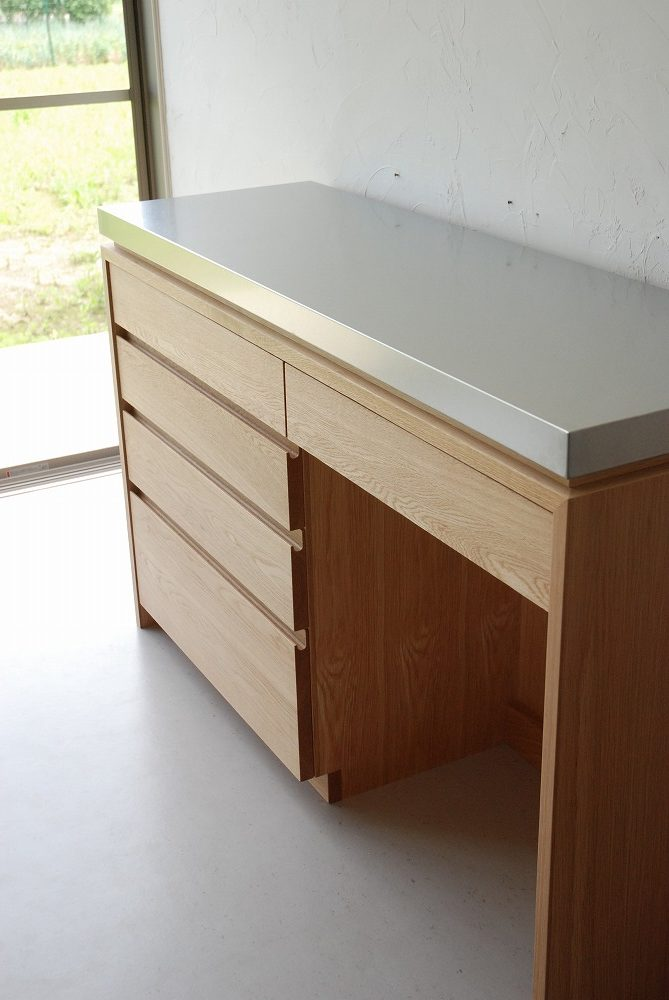背板にコンセント穴のあるバイブレーションサンダーステンレスの食器棚 5069イメージ-2